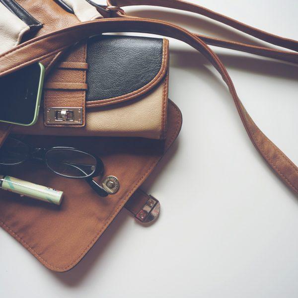 handbag-1478814_1920